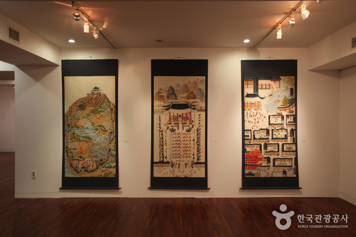 Bukchon Art Museum (북촌미술관)
