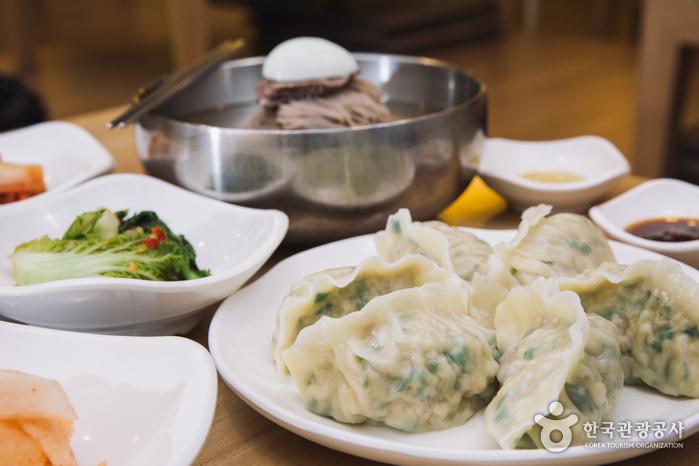 Ресторан Чонин Мёнок (정인면옥, Jungin Myeonok)2