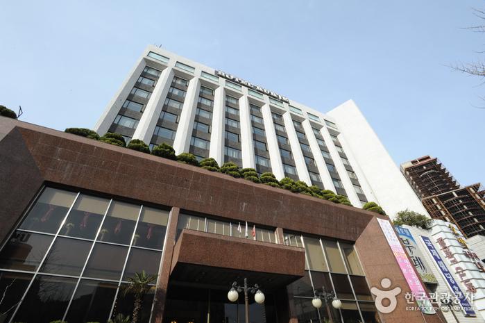 釜山国际饭店<br>(부산 국제호텔)