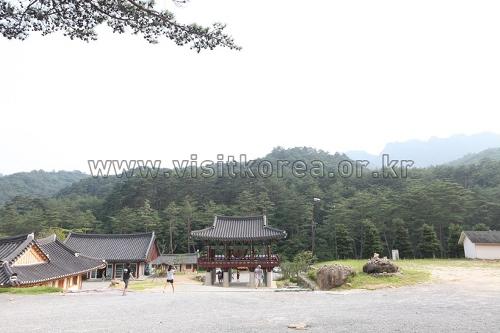 Beopheungsa Temple (법흥사)
