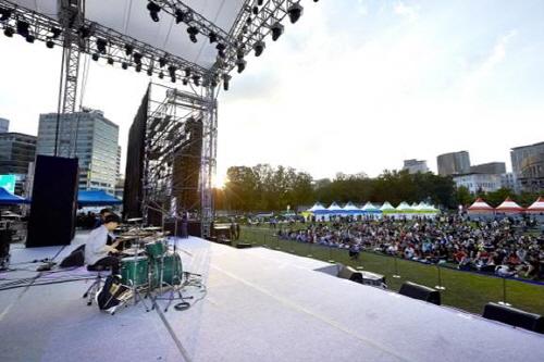 Trash: Seoul Drum Festival (서울 드럼페스티벌)