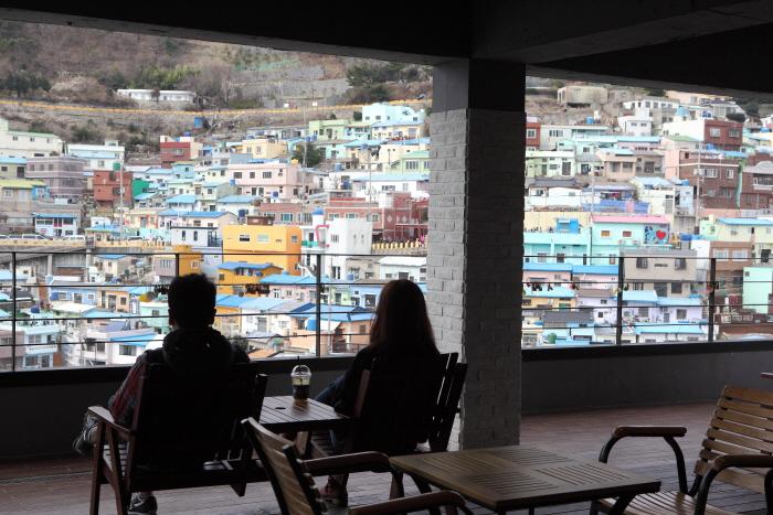 '한국의 산토리니' 감천문화마을 즐기기