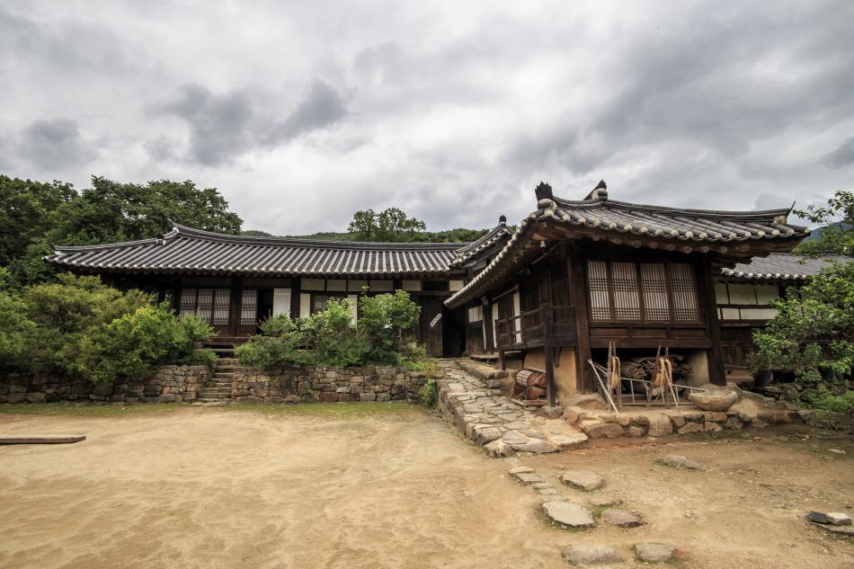 조선 후기에 지은 구례 운조루 고택