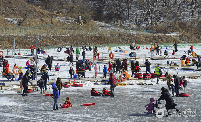 Anseong Ice Fishing Festival (안성빙어축제)