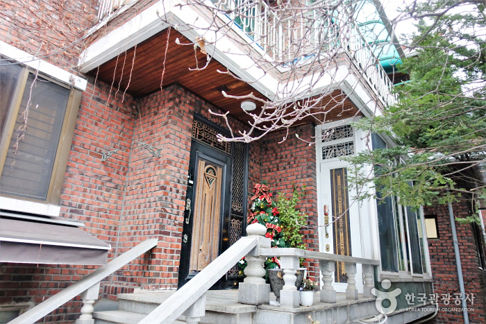 Yebon's House (예본의집)