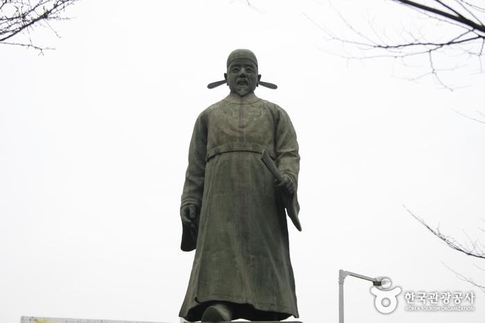 정몽주 동상