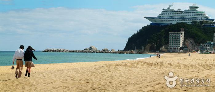Jeongdongjin Beach (정동진해변)