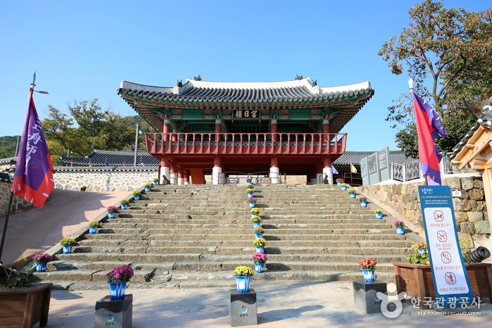 Здание Сэбёнгван в городе Тхонён (통영 세병관)5