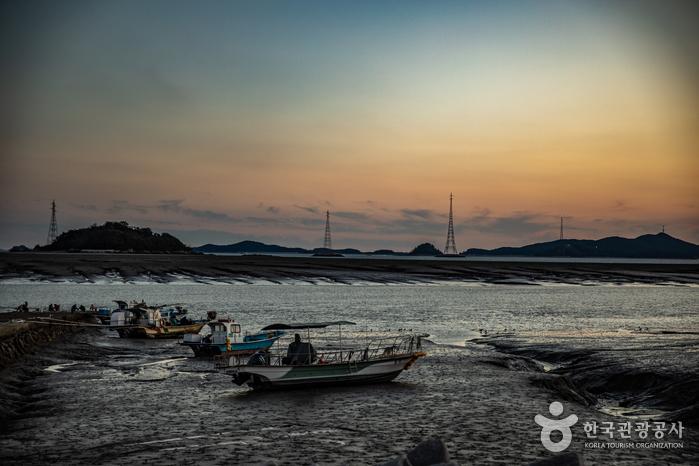 Isla Seokmodo (석모도)