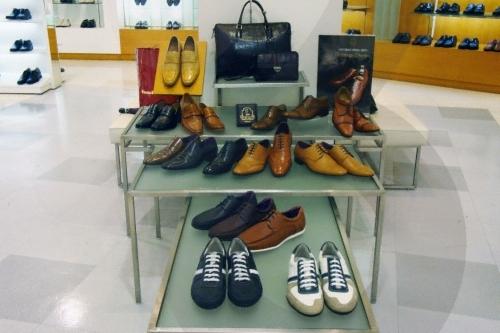 金剛製靴(釜山西面店)(금강제화(부산서면점))