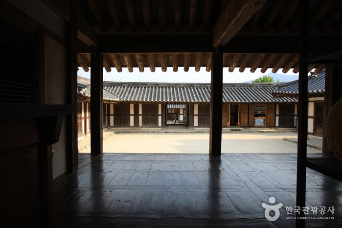 Casa del Aristócrata Choi (최참판댁)18