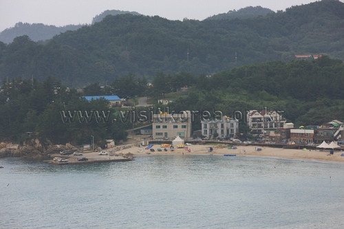 Yonghwa Beach (용화해변)