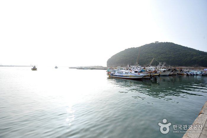 Gyeokpo Port (격포항)