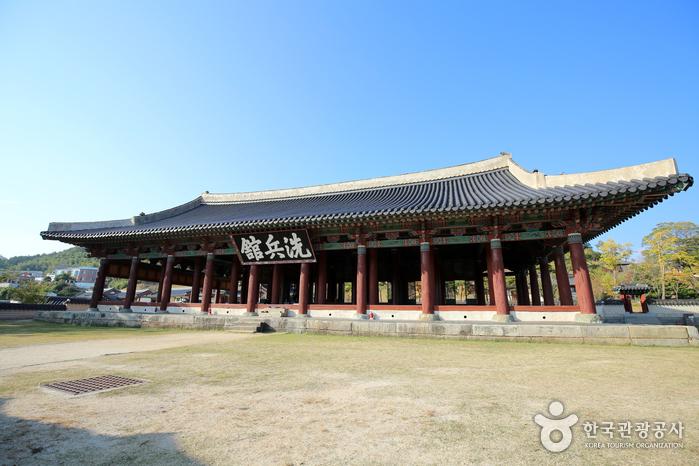 Tongyeong Sebyeonggwan Hall (통영 세병관)