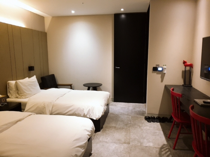 호텔 더 디자이너스 청량리_디럭스 트윈룸1