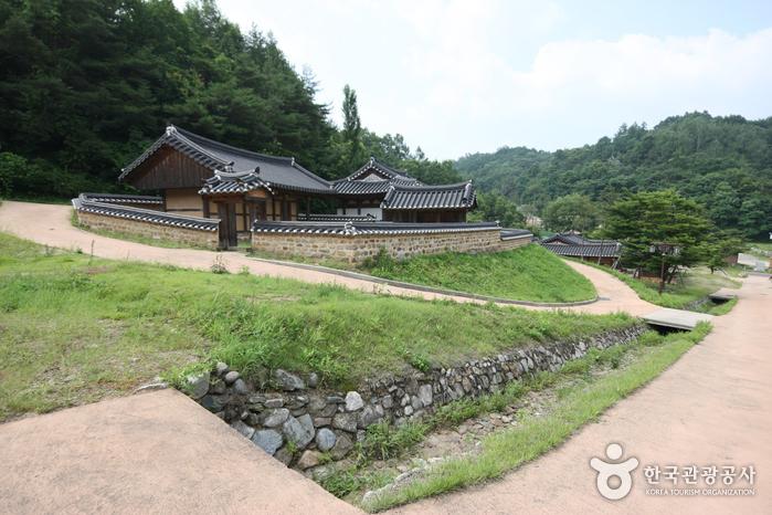 安東民俗村與安東湖(안동민속촌과 안동호)