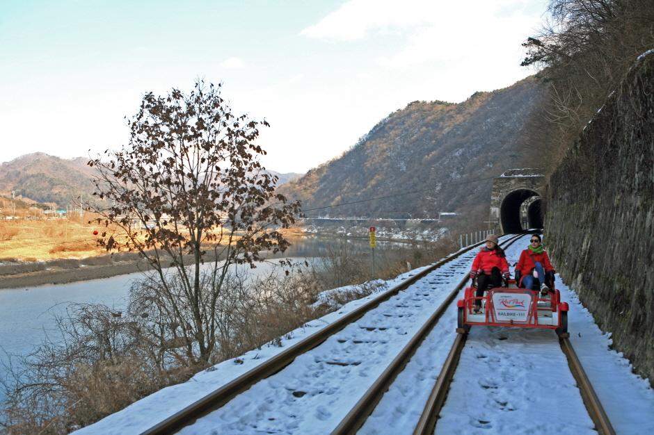 江村鐵路自行車(金裕貞鐵路自行車)강촌레일파크 (김유정레일바이크)