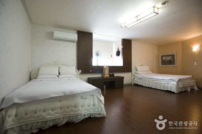 BENIKEA Jeonju Hansung Tourist Hotel (베니키아 전주 한성호텔)