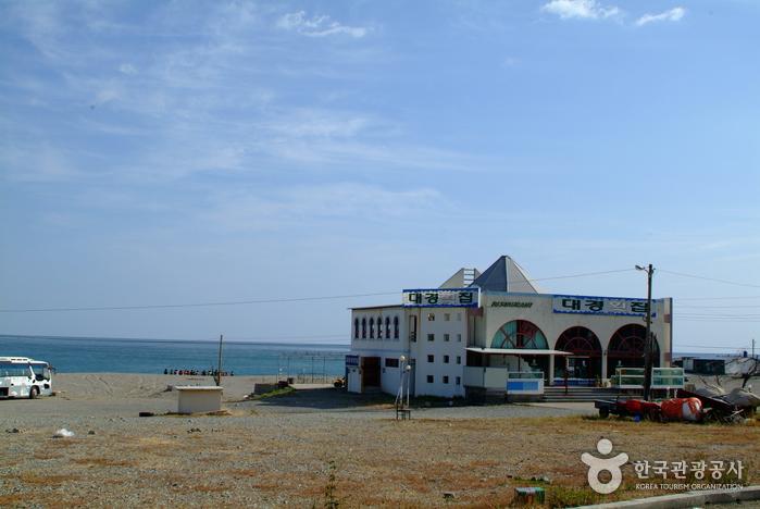 Najeong Beach (나정해수욕장)