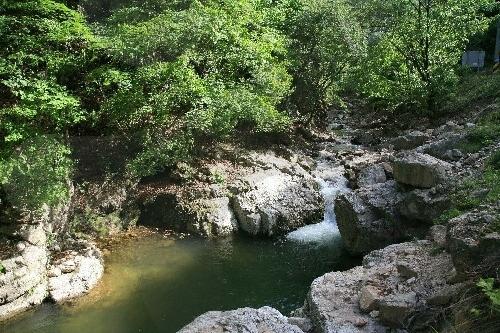 龍沼渓谷(용소계곡)