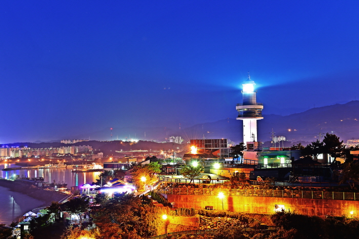 Mukho Lighthouse (묵호 등대)