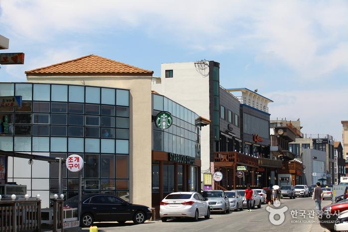 Gangneung Coffee Street (강릉커피거리)