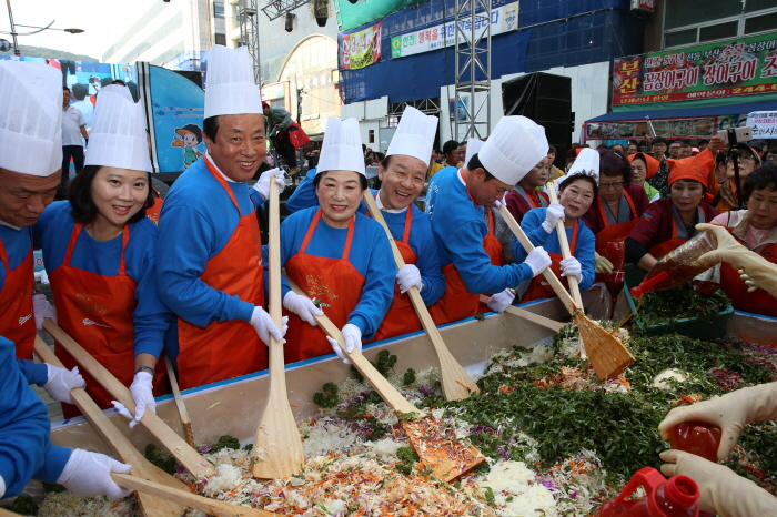 釜山チャガルチ祭り(부산자갈치축제)