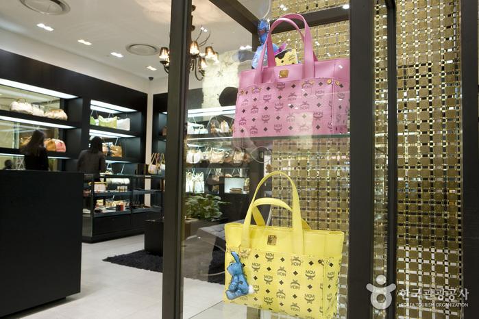 mcm store in manhattan ,price mcm bag ,mcm singapore ,mcm handbags ...