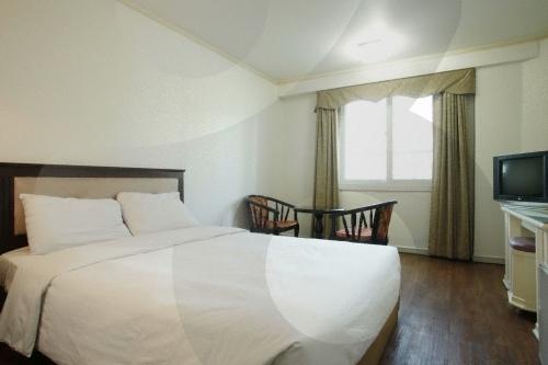 Tiffany Tourist Hotel (티파니관광호텔)