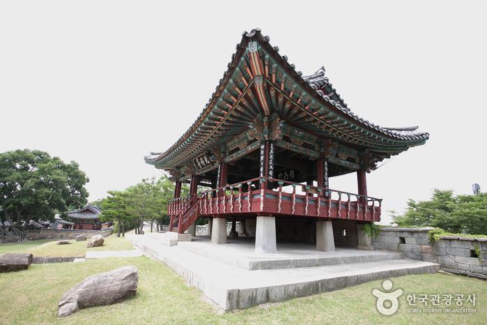 Крепость Чинчжусон (진주성)10