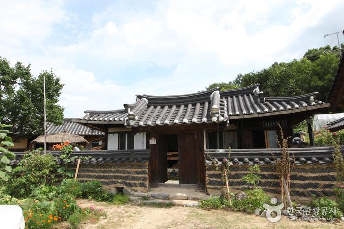 Yeongju Museom Village (영주 무섬마을)