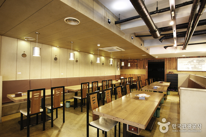 Cheongdamgol (청담골)