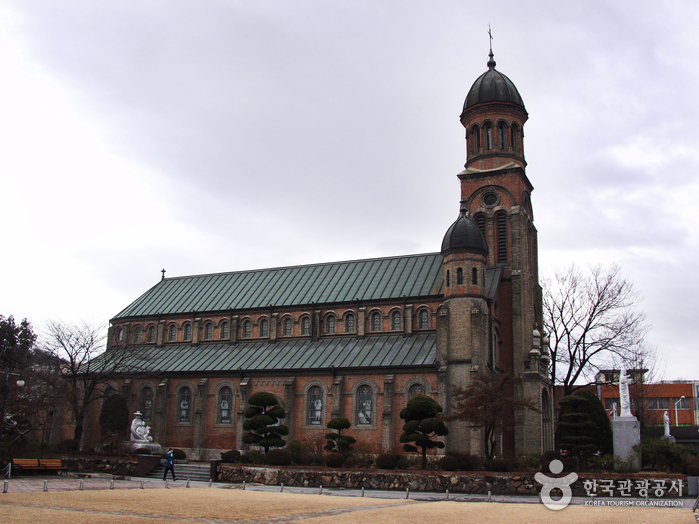 Jeondong Catholic Cathedral (전주 전동성당)