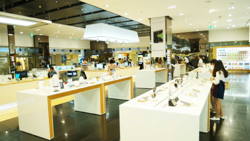um general showroom in india