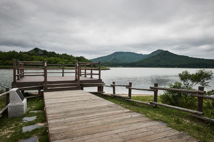 송지호 해안 서낭바위 (강원평화지역 국가지질공원)