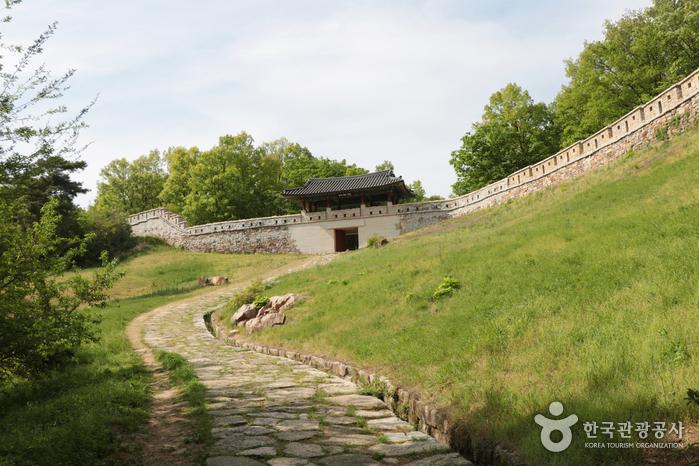 고모산성 성벽