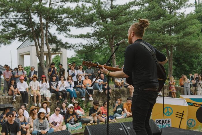 Музыкальный фестиваль DMZ Peace Train (DMZ 피스트레인 뮤직 페스티벌 2019)3