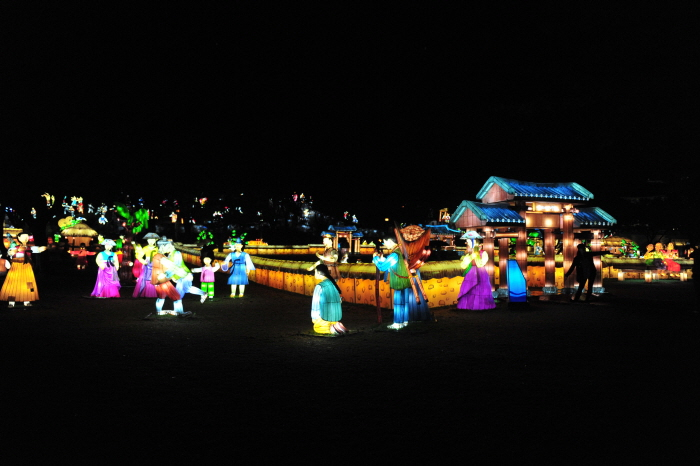 Фестиваль фонарей на реке Намган в Чинчжу (남강유등축제)2