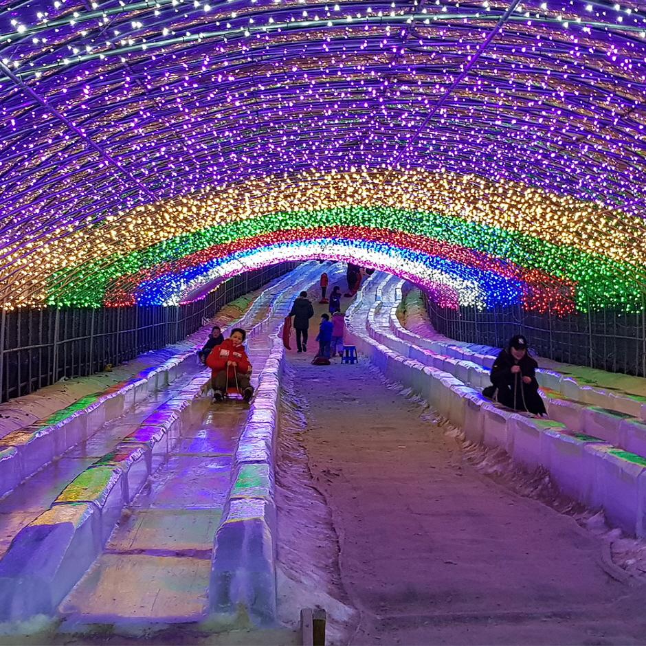 Chilgapsan Ice Fountain Festival (칠갑산얼음분수축제)