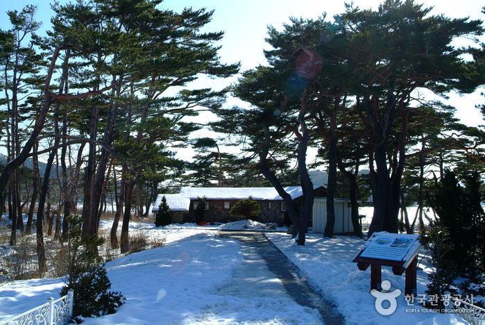 Загородный дом (дача) Ли Ги Буна (이기붕별장)3