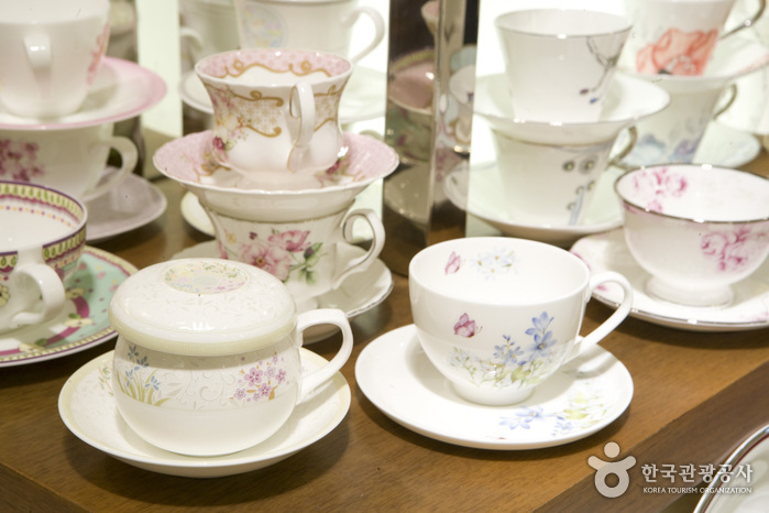 Haengnam Chinaware (Lotte Department Store - Centum City Branch) (행남자기 - 롯데백화점 센텀시티점)