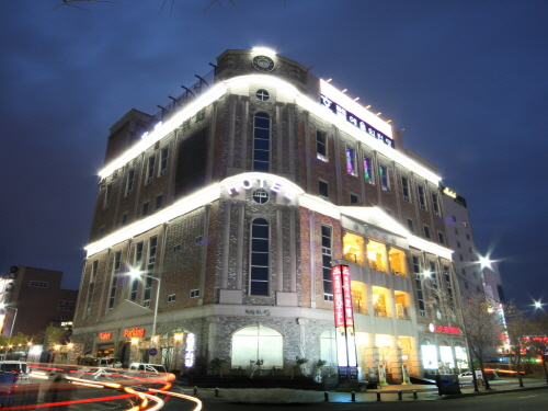 BENIKEA Hotel Art Hall (베니키아 호텔 예술의전당)