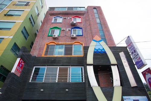 Leum Guesthouse - Goodstay (에코투어거위의꿈㈜ 레움게스트하우스[우수숙박시설 굿스테이])