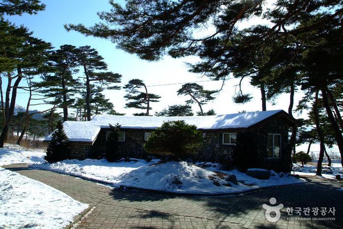 Загородный дом (дача) Ли Ги Буна (이기붕별장)4