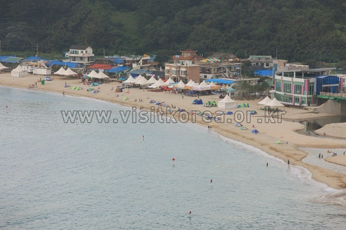 Strand Yonghwa (용화해변)