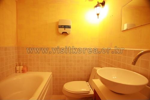 Hotel Jongno Biz - Goodstay (종로비즈 [우수숙박시설 굿스테이])