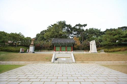 Suyeong Sajeok Park (수영사적공원)