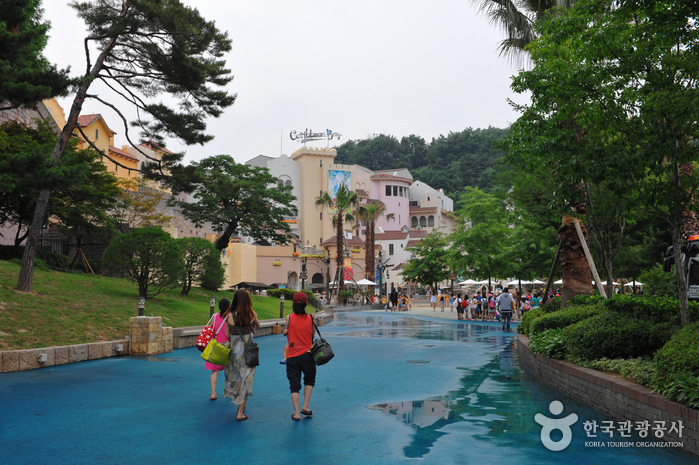 Everland Caribbean Bay (캐리비안 베이)