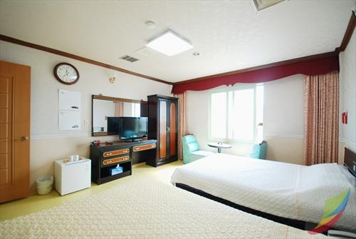 Hot Spring Tourist Hotel (대둔산관광호텔)