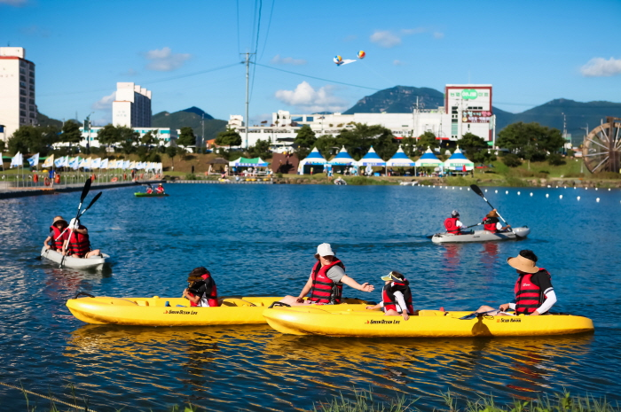 Jeongnamjin Jangheung Water Festival (정남진장흥물축제)